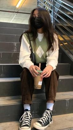 Indie Outfits, Teen Fashion Outfits, Retro Outfits, Trendy Outfits, Skater Girl Outfits, Skater Girls, Grunge Outfits, Casual School Outfits, Hipster Outfits