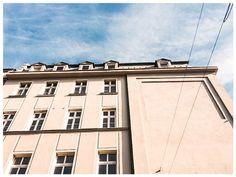 #Katowice, róg Słowackiego i 3 maja #townhouse #kamienice #slkamienice #silesia #śląsk #properties #investing #nieruchomości #mieszkania #flat #sprzedaz #wynajem Garage Doors, Louvre, Building, Outdoor Decor, Travel, Home Decor, Viajes, Decoration Home, Room Decor