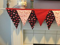 Valentine mantel scarf with Red and pink hearts
