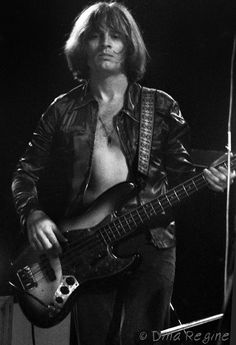 John Paul Jones of Led Zeppelin Jimmy Page, Robert Plant, Great Bands, Cool Bands, Guitar Guy, Guitar Tabs, Guitar Chords, Led Zeppelin Iii, Classic Rock Artists