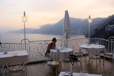 Mother Daughter trip to the Amalfi Coast. Roof top dining room at Hotel Smeraldo in Praiano, Italy, a lovely gem in between Positano and Amalfi.