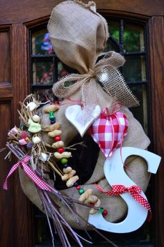 🌟Tante S!fr@ loves this📌🌟Sinterklaas (dutch tradition) - Christmas Door Decorations, School Decorations, Holiday Decor, Diy Crafts To Do, Diy Wreath, Burlap Wreaths, Wreath Ideas, Winter Fun, Christmas Inspiration