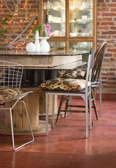 Pablo's home / Córdoba, Argentina Decoracion Low Cost, Cafe Interior Design, Diy Home Decor, Dining Chairs, Diy Projects, Furniture, Organization, Decorating Girls Rooms, Diy House Decor