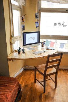 Home Office diy Desk plans: Corner Computer Desk, Cheap Desk Pallet Desk, Pallet Furniture, Furniture Design, Pallet Wood, Wood Desk, Diy Pallet, Tv Furniture, Pallet Walls, Wooden Pallets