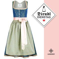promo code 454ef 818fc Glänzendes Dirndl in Blau von Amsel│Heidi