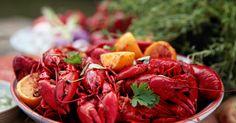 Stekta kräftor i het marinad. Ett kul sätt att ta kräftskivan till nya nivåer! Chutney, Hummus, Pesto, Shrimp, Foodies, Seafood, Food Porn, Food, Sea Food