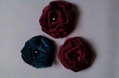 Custom order 3 flower brooches by NinjaChipmunk on Etsy, £18.00