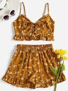 Orange Gold Summer Lace Floral Flat Elastic High Sleeveless Spaghetti Regular Casual Casual and Going Lace Up Floral Shorts Set Cute Girl Outfits, Cute Summer Outfits, Cute Casual Outfits, Outfits For Teens, Spring Outfits, Older Women Fashion, Trendy Fashion, Fashion Outfits, Womens Fashion