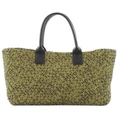 Preowned Bottega Veneta Cabat Tote Intrecciato Leather Medium (6.790 BRL) ❤ liked on Polyvore featuring bags, handbags, tote bags, brown, totes, leather tote bags, oversized leather tote bag, brown leather handbags, brown leather tote and leather purses