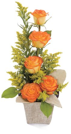 Ideen für Blumengestecke Here-s How to Choose Birthday Flowers According to M Flower Arrangement Designs, Church Flower Arrangements, Beautiful Flower Arrangements, Silk Flower Arrangements, Fresh Flowers, Silk Flowers, Beautiful Flowers, Flower Designs, Creative Flower Arrangements