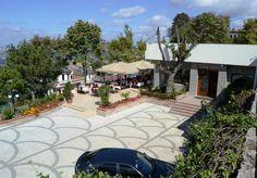 Hafta sonu ailecek veya dostlarınız ile bir yandan İstanbul'u seyredip diğer yandan ise zengin brunch yaparak hoş vakit geçirebileceğiniz bir mekan..  http://www.yemekhaberleri.com/mavera-cafe-restaurant/