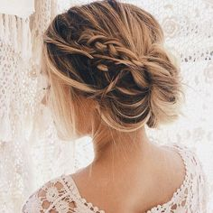 Undone plaited up do hair styles to inspire your bridal look Fancy Hairstyles, Wedding Hairstyles, Simple Hairstyles, Beautiful Hairstyles, Bridal Hair Inspiration, Bridesmaid Hair, Hair Trends, Short Hair Styles, Hair Makeup