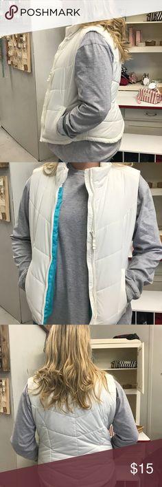 Aeropostale white vest size XL Aeropostale white vest Aeropostale Jackets & Coats Vests