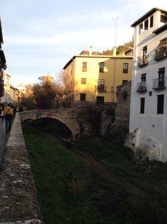 Paseo de los tristes. Granada. España.