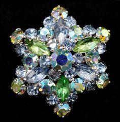 154f5cd7550 Vintage Weiss Peridot Blue Green AB Crystal Star Brooch Pin #costumejewelry Vintage  Rhinestone, Rhinestone