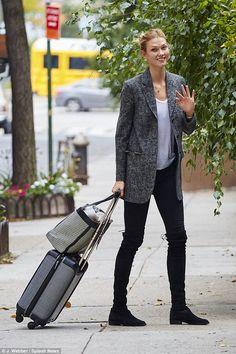 Un Paso Más Fall Winter inspiration #fashion #style #StreetStyle #Trends #Boots Botas que trepan por las piernas