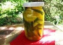 Okurkový salát  KARI Simply Recipes, Simply Food, 20 Min, Pickles, Cucumber, Vegan, Pickle, Vegans, Zucchini