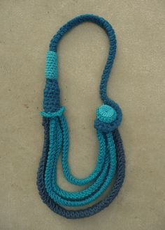 #collier bleu turquoise en #crochet by Minuit12, via Flickr