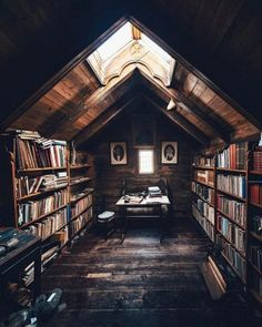 Trendy home library loft attic rooms Ideas Home Library Design, Attic Library, Dream Library, House Design, Attic Office, Library Ideas, Cozy Library, Attic Loft, Door Design