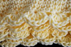 How to Crochet a Baby Blanket. A hand-made blanket is a very special gift for any baby, and crocheting is a lovely way to make one. Crochet a baby blanket for a baby shower gift or for your own baby using one of these methods. Free Baby Blanket Patterns, Baby Blanket Crochet, Crochet Yarn, Crochet Hooks, Crochet Blankets, Crochet Borders, Crochet Stitches Patterns, Stitch Patterns, Chunky Blanket