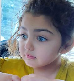 Cute Little Baby Girl, Cute Baby Girl Pictures, Mom And Baby, World's Cutest Baby, Cute Baby Girl Wallpaper, Cute Babies Photography, Baby Words, Beautiful Children, Instagram