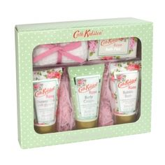 Cath Kidston Rose Toiletry Gift Set is just £12 and brill for mum's on the go.  ---  Quick Info: Price £12.00  Treat your loved one to an indulgent Toiletries Set, with perfectly proportioned bathroom essentials for a weekend away.  ---  Available from Roman at Home.  Images Copyright www.romanathome.com