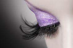 Blogueiras do mundo da beleza para você seguir. Tutoriais de maquiagem, recomendação do que fazer ou não, lançamentos do mundo dos cosméticos, resenhas, dicas e muito mais. Confira!