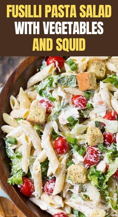 This fresh and light pasta salad is an ideal way to enjoy typical Italian flavors on a hot summer day.#cooking Recipes Based On Ingredients, Light Pasta Salads, Recipe Key, Key Food, Aromatic Herbs, Fusilli, Artichoke, Soul Food, Cobb Salad