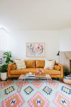 Tips for styling a leather couch