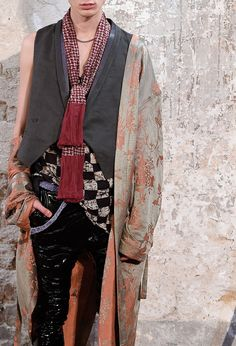 monsieurcouture: Haider Ackermann S/S 2015 Menswear Quirky Fashion, Ethnic Fashion, Womens Fashion, Fashion Fashion, Fashion Details, Fashion Design, Haider Ackermann, Mode Inspiration, Pattern Fashion