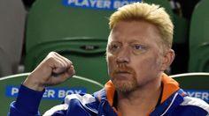 """Boris Becker feiert seinen Schützling Novak Djokovic bei den Australian Open: Djokovic gewinnt Australian Open - Der """"Djoker"""" besiegt Andy Murray (27) im Finale mit 7:6 (7:5), 6:7 (4:7), 6:3 und 6:0, kassiert dafür 2,1 Mio Siegprämie.  Djokovic gewann schon 2011 und 2013 in Melbourne gegen Murray.  Bitter: Der Schotte verliert sein viertes Finale (dreimal gegen Djokovic) in Australien... http://www.bild.de/sport/mehr-sport/novak-djokovic/gewinnt-die-australian-open-39588568.bild.html"""