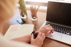 Se lavori in remoto ecco alcuni consigli utili su cosa dovresti delegare a un'assistente virtuale per organizzarti al meglio e avere più tempo libero.