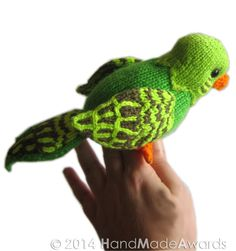 Knitting Pattern for Budgie Parakeet Toy - I love parakeets and glad to find one to knit. Manolito Parakeet measures from top head to tail 4.13 inches-10.5 cm and from beak to tail 7.87 inches- 20 cm.