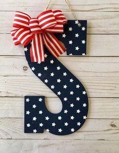 "SCRAPBOOK CARD CRAFT HANG GIFT TAGS SET OF 12 PATRIOTIC JULY 4TH 16 2/""X3.25/"""