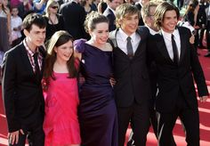 Skandar Keynes, Georgie Helney, Anna Popplewell, William Moseley, and Ben Barnes