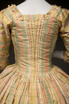Robe à l'anglaise, 1775-80 From Historic Deerfield Museum