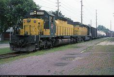 RailPictures.Net Photo: CNW 6819 Chicago & North Western Railroad EMD SD40-2 at Oshkosh, Wisconsin by Pete Greischar