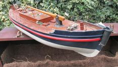 Bassett Lowke clockwork life boat 1920 bing marklin works original key carry box Rolls Royce Silver Cloud, Motor Works, Classic Toys, Boat Shoes, Carry On, Pond, Boats, Key, Antique