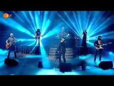 """Boa versão de """"The Good Die Young"""" com Scorpions e Tarja Turunen (ex-Nightwish). Klaus Meine manda bem como sempre, deixando Tarja à vontade pra soltar o vozeirão."""