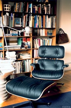 Eames. Eames. Eames. Vitra Lounge Chair, Eames Chairs, Eames Recliner, Dining Chairs, Room Chairs, Sell Used Furniture, Cool Furniture, Modern Furniture, Home Living