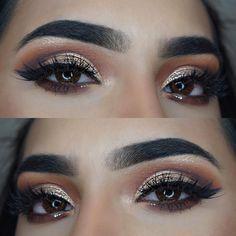 IG @makeupbyamtul  Using master palette by Anastasia Beverly Hills. Huda beauty Scarlett Lashes. Urban decay midnight cowboy glitter. Gold eye makeup. Glitter. Bronze eyes. Half cut crease.