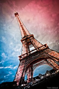 Beautiful Eiffel Tower – Tap to see more of the most romantic Paris city wallpapers! – Beautiful Eiffel Tower – Tap to see more of the most romantic Paris city wallpapers! Paris Torre Eiffel, Paris Eiffel Tower, Paris Wallpaper, City Wallpaper, Pink Eiffel Tower Wallpaper, Wallpaper For Mobile, Oh Paris, Paris City, Bantik Boy