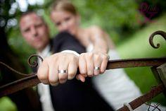 Hochzeit Mood Boards, Holding Hands, Wedding Photography, Pictures, Ideas, Wedding Photos, Wedding Pictures