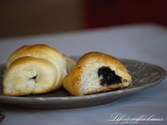 Buns with wine and chocolate English Food, Coffee Beans, Bagel, Buns, Bread, Foods, Chocolate, Recipes, Food Food