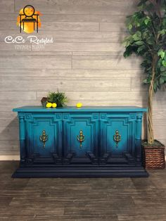 Updating old or unwanted furniture into works of art. Funky Painted Furniture, Refurbished Furniture, Repurposed Furniture, Vintage Furniture, Design Furniture, Paint Furniture, Furniture Projects, Furniture Makeover, Furniture Refinishing