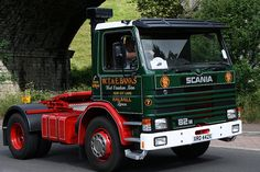 Todmorden Halifax Road Sunday August HCVS Transpennine Run Old Lorries, London Transport, Commercial Vehicle, Vintage Trucks, Classic Trucks, Cool Trucks, The Good Old Days, Cars And Motorcycles, Transportation