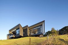 Gallery of Bryden House / BVN Architecture + Daniel R. Fox Architects - 2