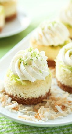 Mini Coconut Lime Cheesecakes Life Made Simple, Mini Coconut Cream Cheesecakes Flavor the Moments, Cream Mini Cheesecakes. Köstliche Desserts, Delicious Desserts, Dessert Recipes, Plated Desserts, Cake Recipes, Yummy Treats, Sweet Treats, Lime Cheesecake, Cheesecake Bites