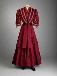 Traveling Suit Marjorie Merriweather Post wore this dark red three-piece traveling suit to Hot Springs, Virginia, for her honeymoon in 1905.