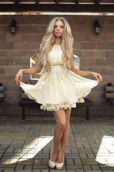 Lovely hair   dress. Make Up, Pretty Dresses, Beautiful Dresses, Beautiful  Women 49cf68fd0b
